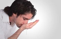 Ощущение сопли в горле при глотании. Как избавиться от соплей